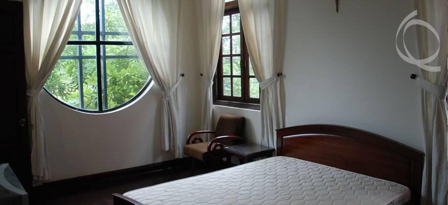 Ivy Walled Villa In Thao Dien