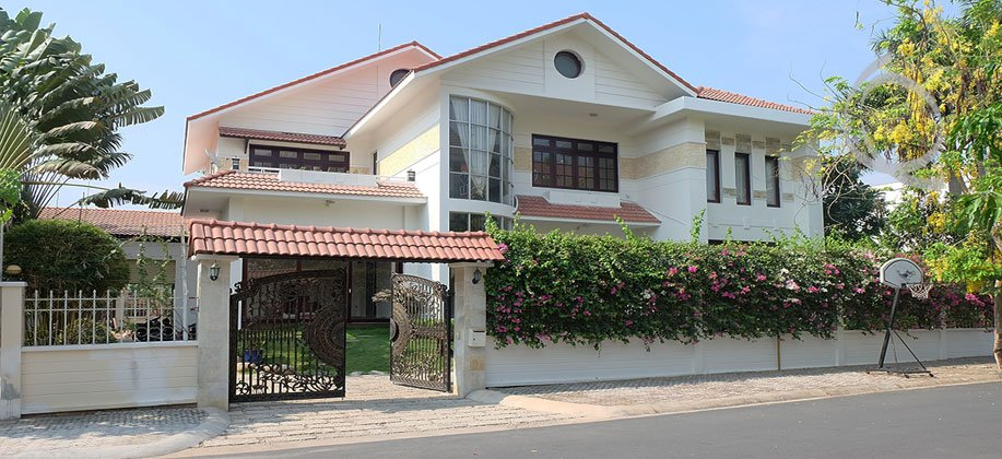 Villa garden for rent