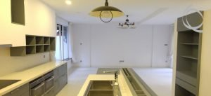 Luxurious, Modern 5 Bed Villa With Stunning Open Kitchen