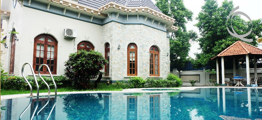 Villa for rent, big garden