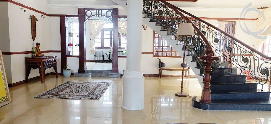 Thao Dien villa for rent, big garden