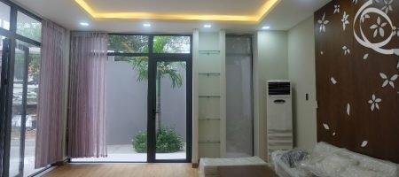 Townhouse in Thao Dien, 6bedrooms with garden
