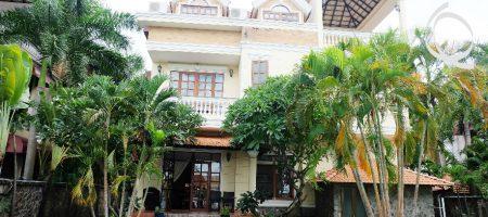 Villa in compound for rent, along saigon River in Thao Dien