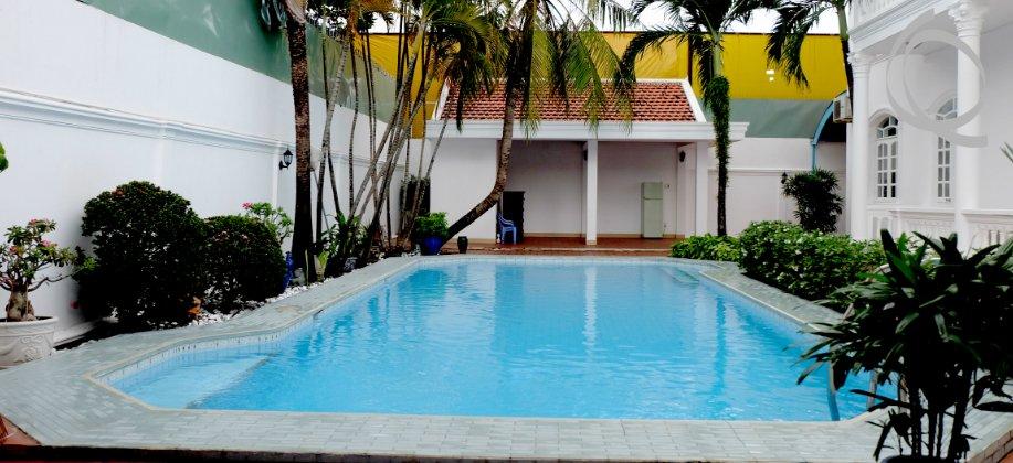 Villa in Thao Dien for rent, near Restaurant and Supermarkets