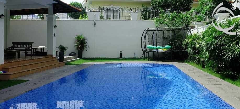 Villa in compound 5bedrooms with natural light