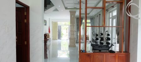Towhouse 4bedrooms with balcony and garden
