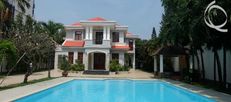 Villa 5bedrooms for rent, near supper market with pool, garden