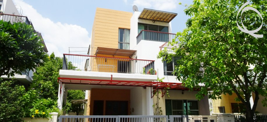 Villa in compound 4bedrooms, safe and quiet place