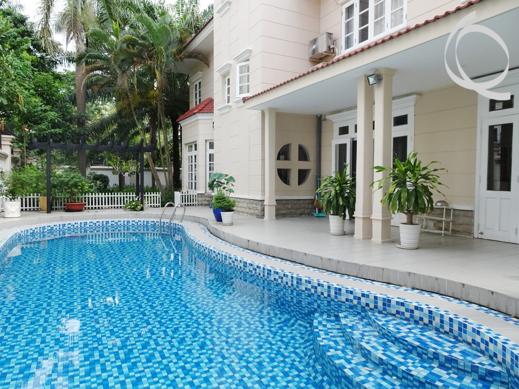 Villa in compound 4 bedrooms with garden and pool