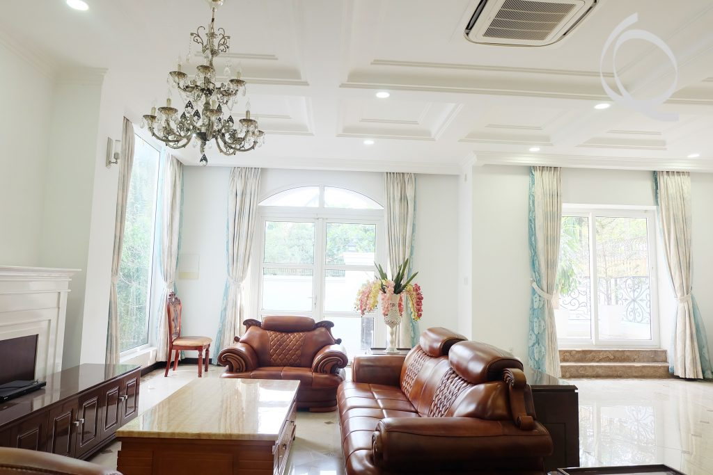 Villa 5bedrooms in Thao Dien with garden for rent