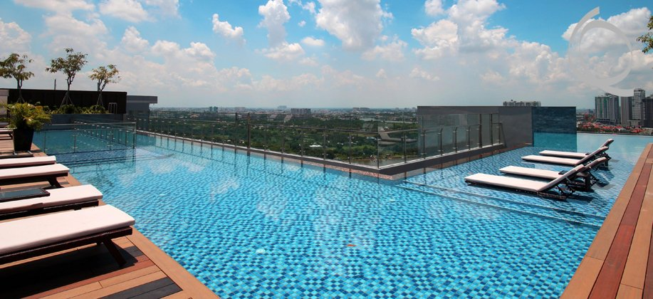 D'edge apartment riverview with infinity pool. Don't miss it