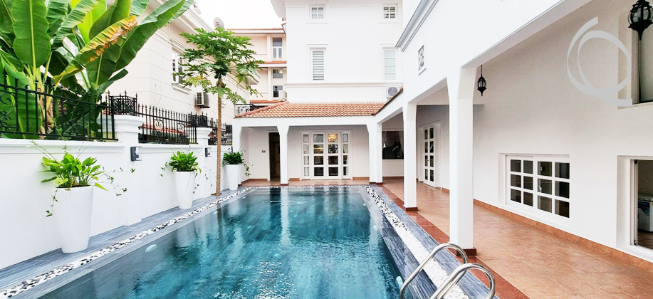 Villa with modern furniture in Thao Dien for rent